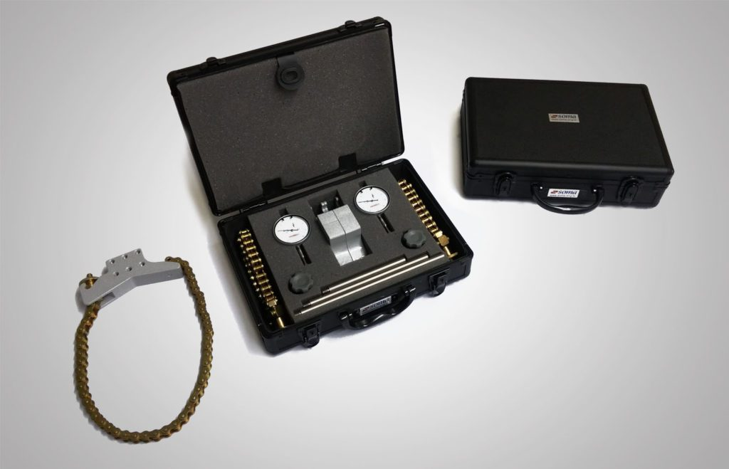 Soma apresenta ao mercadomaleta personalizada com jogo de abraçadeiras para alinhamento de eixos