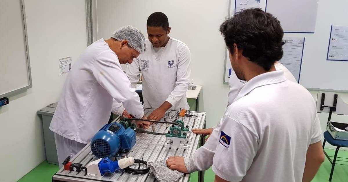 Soma entrega Bancada de Elementos de Máquinas a Unidade da Unilever de Jaboatão/PE